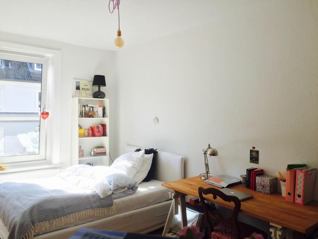 Schlafzimmer Hamburg gemütliches helles schlafzimmer mit großem bett in hamburger wg