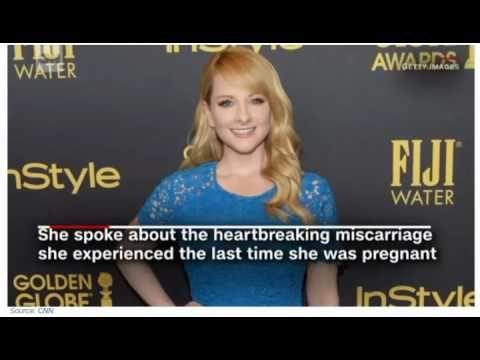 Rauch babyzimmer ~ Melissa rauch reveals past miscarriage in pregnancy announcement1