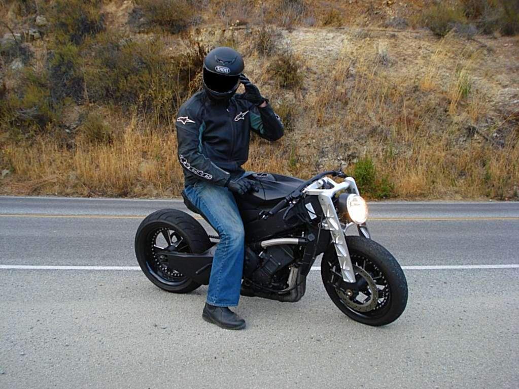 i love custom bikes like this street fighter. | cafe racer
