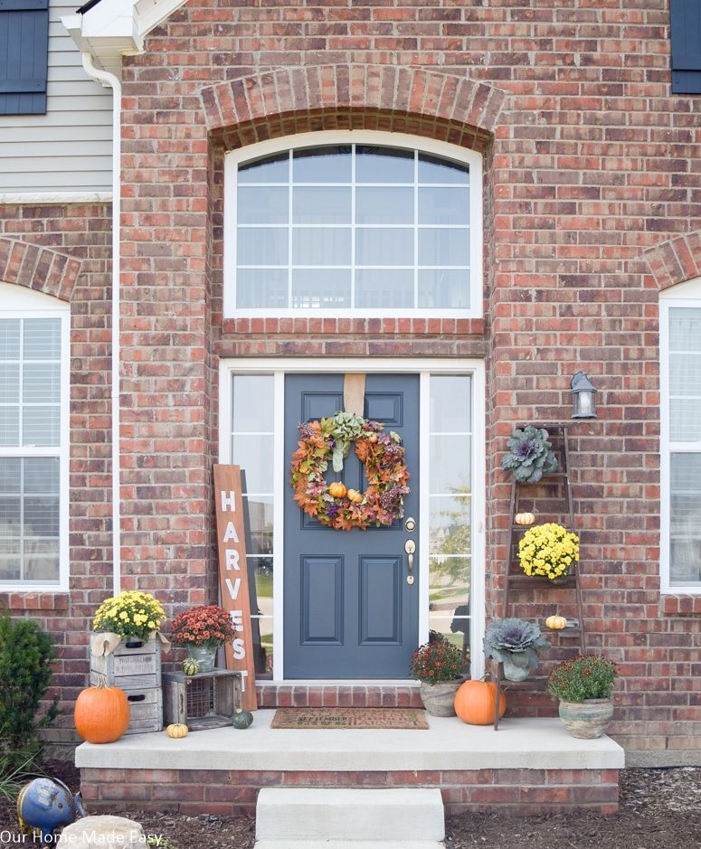Our Rustic Fall Front Porch #fallfrontporchdecor