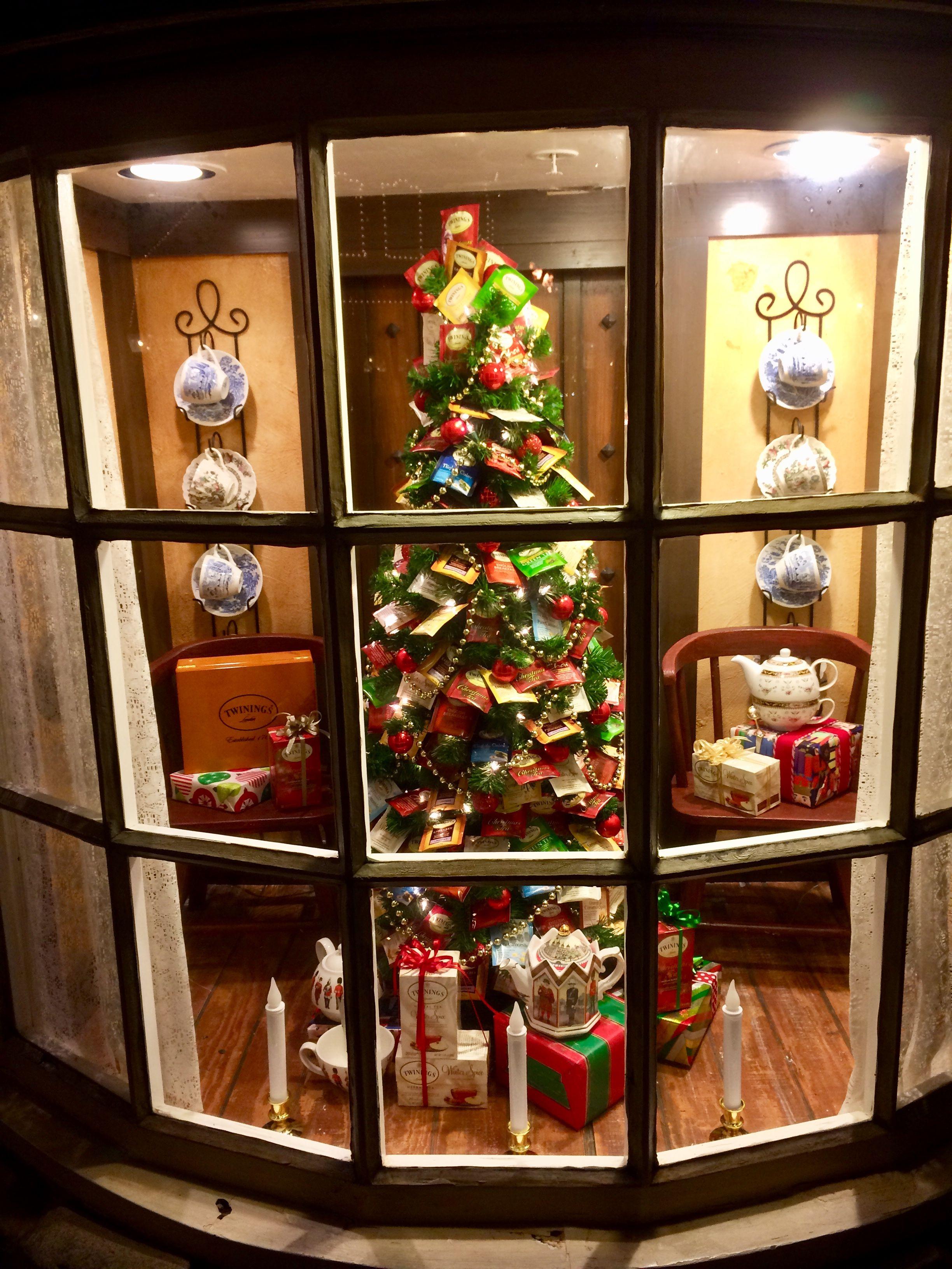 Christmas Tree At The Tea Caddy United Kingdom Pavilion Giulio