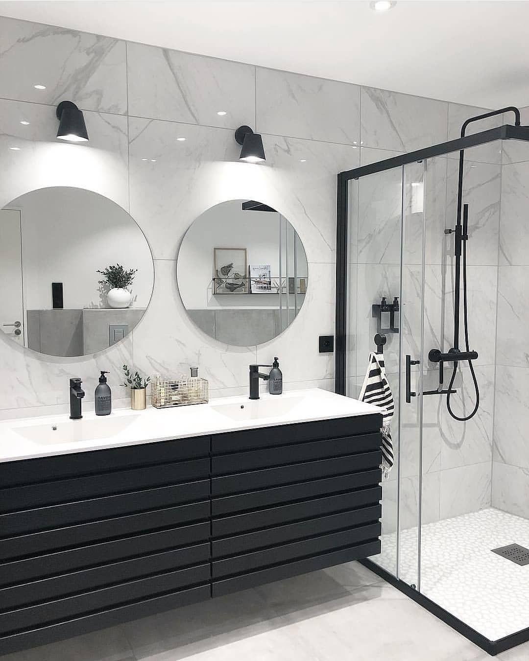 Rorkjop No On Instagram I Kveld Deler Vi Det Lekre Badet Til Boogreis Med Onske Om En Riktig Round Mirror Bathroom Black Vanity Bathroom Bathroom Mirror