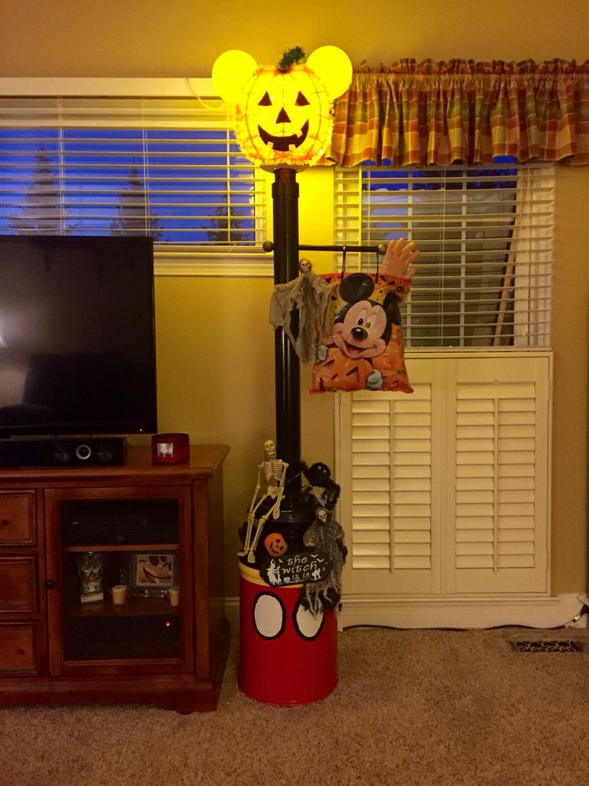 My Mickey Mouse Lamp Post For Halloween At Fort Wilderness.