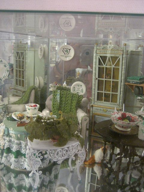 Taiwan dollhouse miniatures museum room