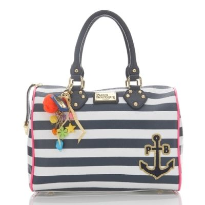 paul's boutique, Love the navy style