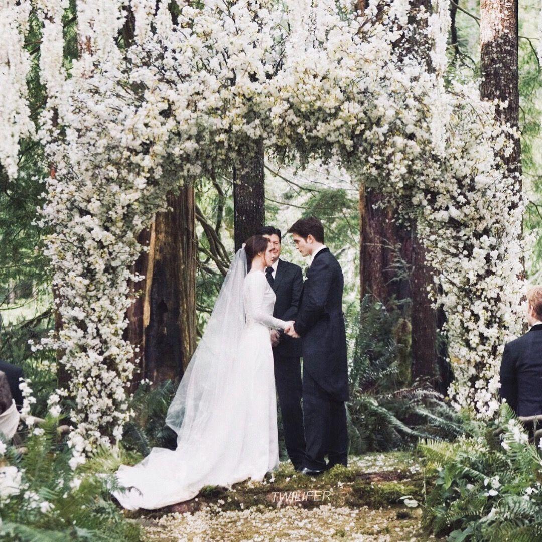 Bella And Edward S Wedding Twilight Twilightsaga Breakingdawn