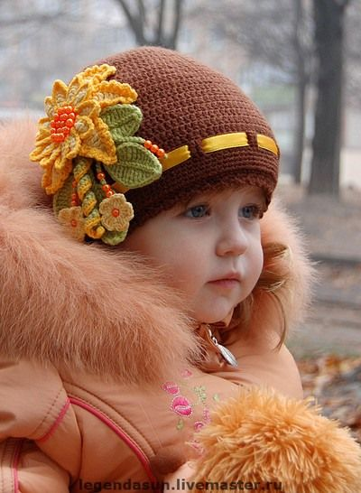 Girl\'s autumn crocheted hat with decorations, from LiveInternet ...