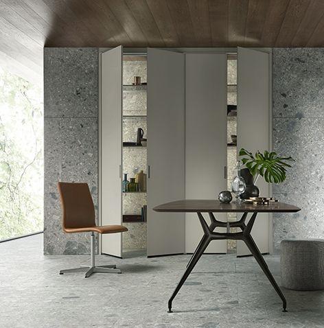 Rimadesio cover storage units #inloopkast #interieur #interieurdesign #interior #wonen #storage #kast #glas #interieurinspiratie #design #wardrobe #kledingkast  #design #interiordesign #design #rimadesio www.noctum.nl