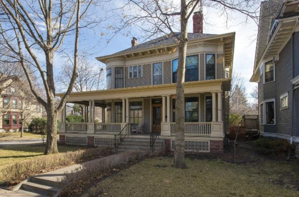 1893 Historic House Located At 802 Fairmount Ave Saint Paul Mn 55105 Victorian Homes House Styles Historic Homes