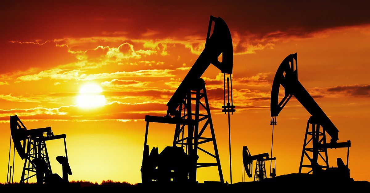 Oil prices were torn on thursday supported by tightening