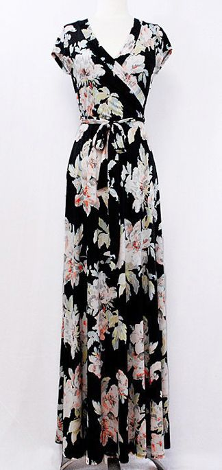 Black floral maxi dress. There is something quite lovely about this dress.  Vestido Tubinho e8b58175686d