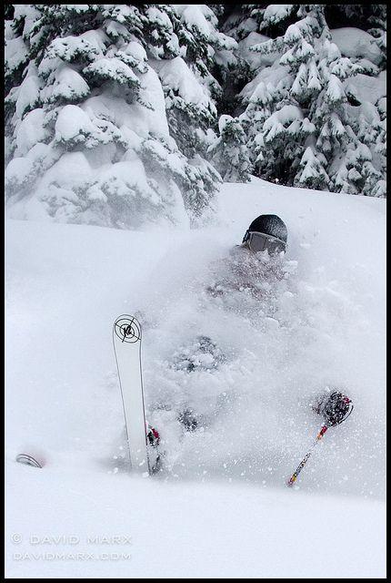 Deep Powder Telemark Turn By David Marx Via Flickr Snow Skiing Ski Inspiration Powder Skiing