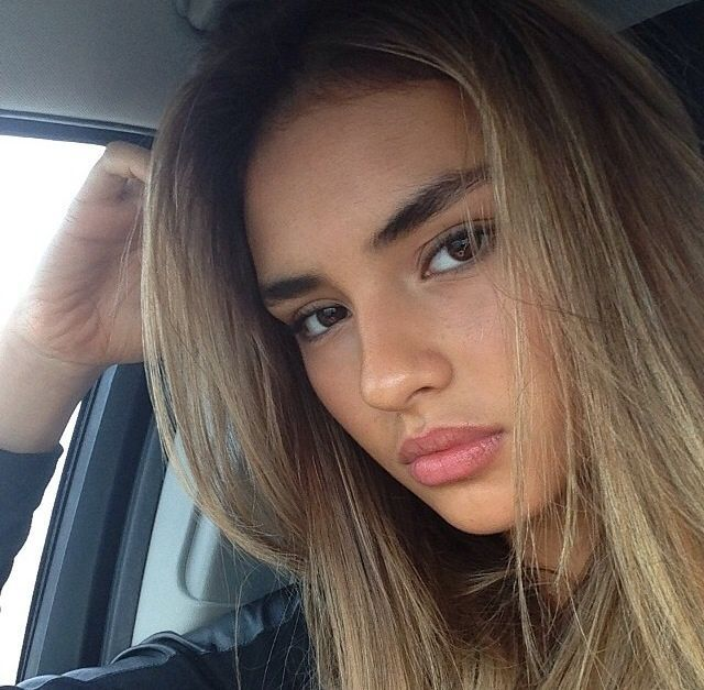 Beautifull Mindss Chocolate Blonde Hair Dark Eyes Brows