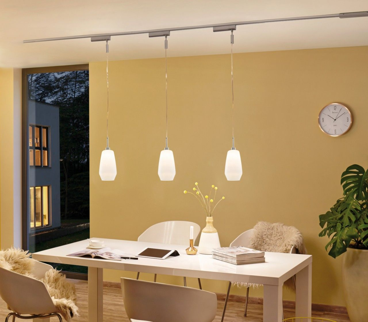 Die Richtige Beleuchtung Fur Den Esstisch Mit Dem Lampen System Von Paulmann Bist Du Komplett Flexibe Living Room Lighting Lamps Living Room Cheap Table Lamps