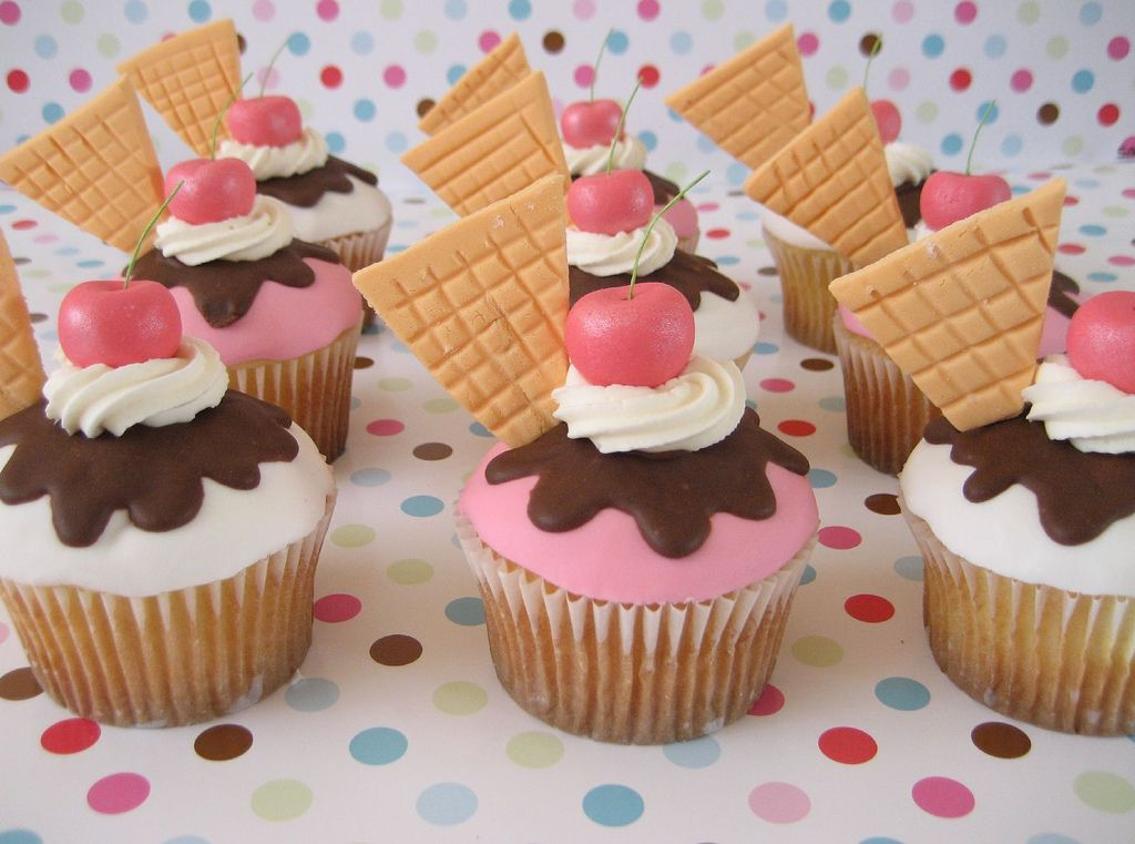 ice cream looking cupcakes