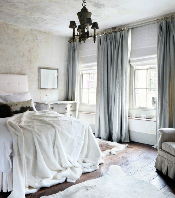 gardinen schlafzimmer weiße bettwaren und hellblaue gardinen - vorhnge schlafzimmer ideen
