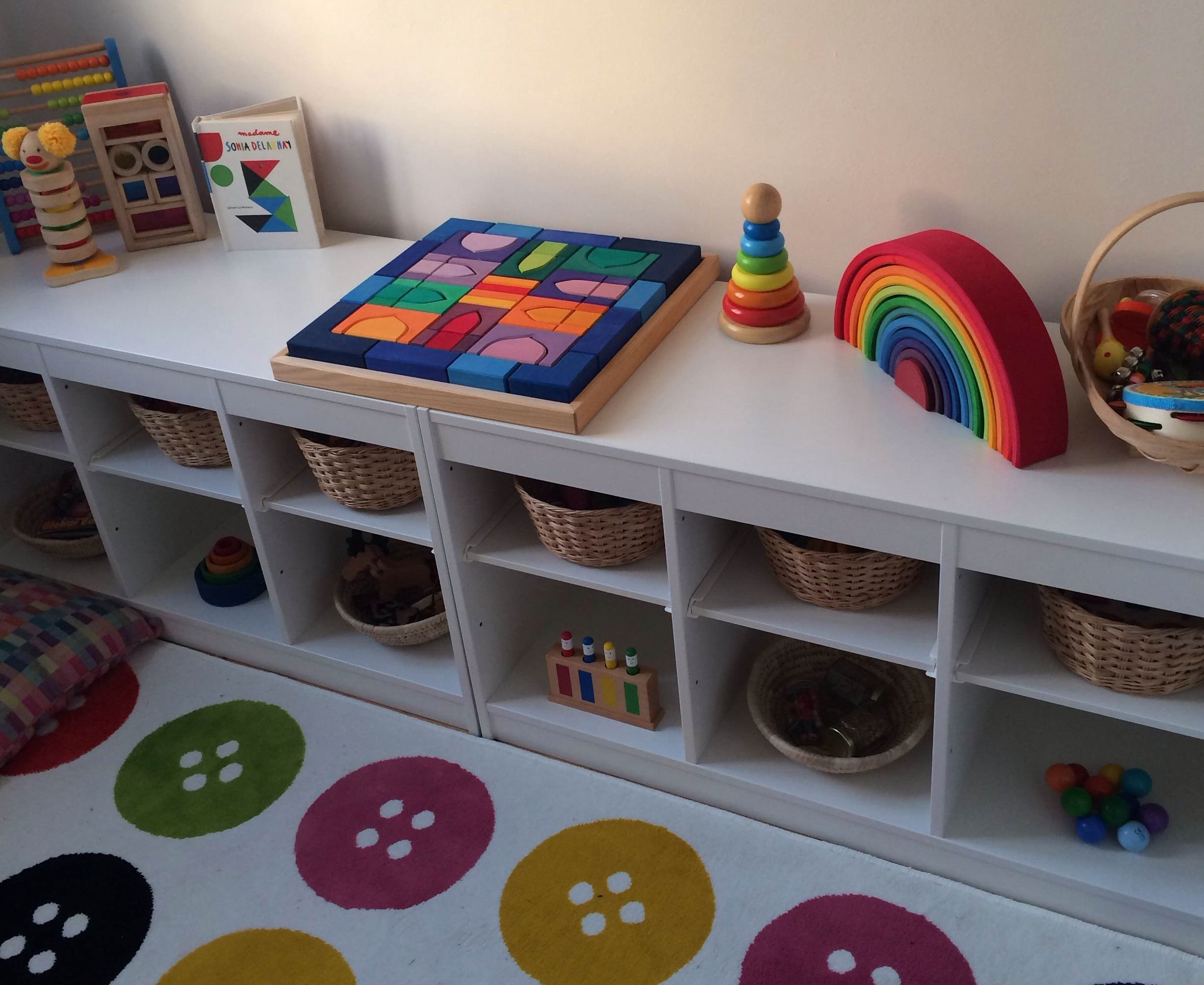 Img 9266 toy storage pinterest montessori toy for Kinderzimmer set baby