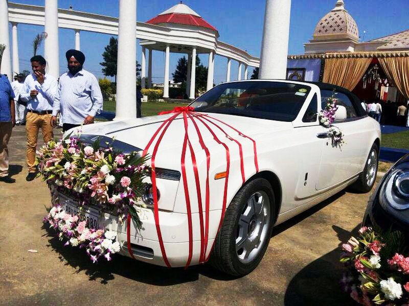 Luxury Wedding Car Rental In Delhi Punjab Car Hire Is The Best For Rental Servcies We Offer Luxury Wedding Ca Luxury Cars Rolls Royce Car Hire Luxury Car Hire