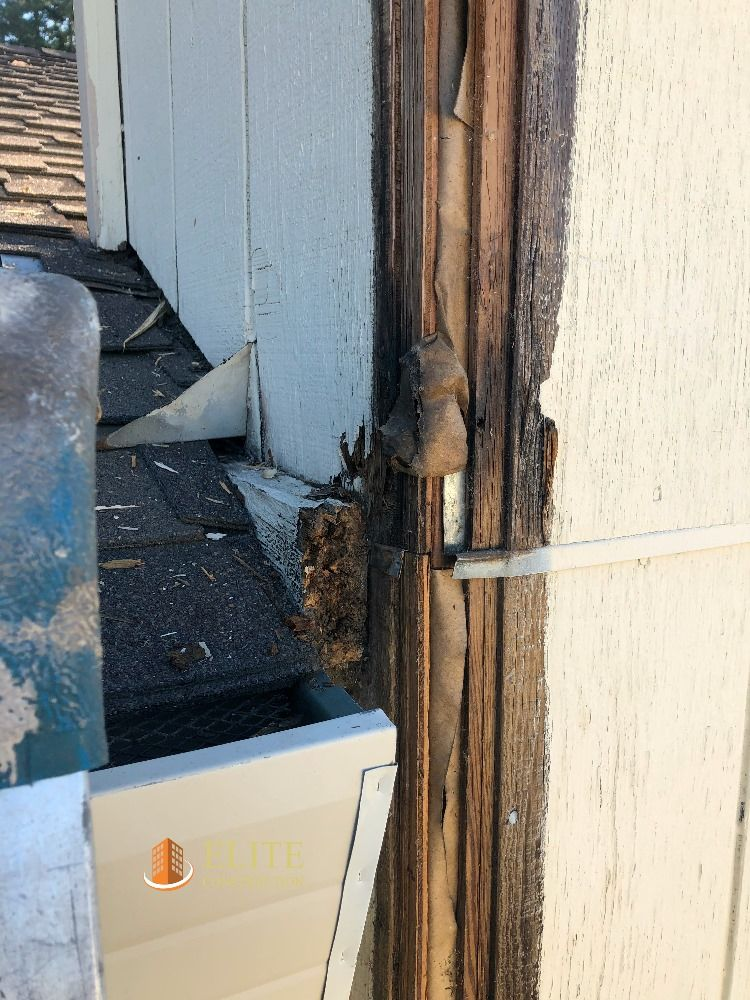 Water Damage At The Belly Band Dry Rot Repair In 2020 Water Damage Wood Repair Exterior Wood