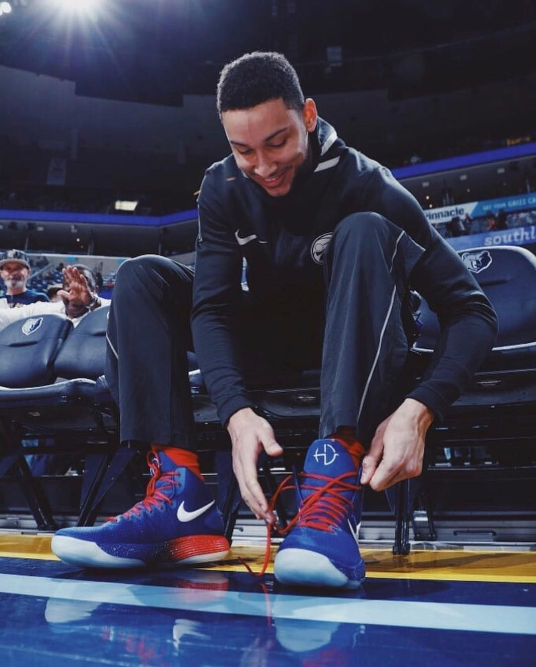 4f3e101298ab  WhatProsWear  Ben Simmons lacing up the Nike Hyperdunk 2017