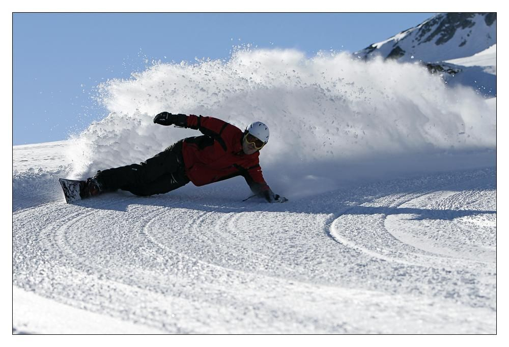 Winter snowboard powder carver burton carving
