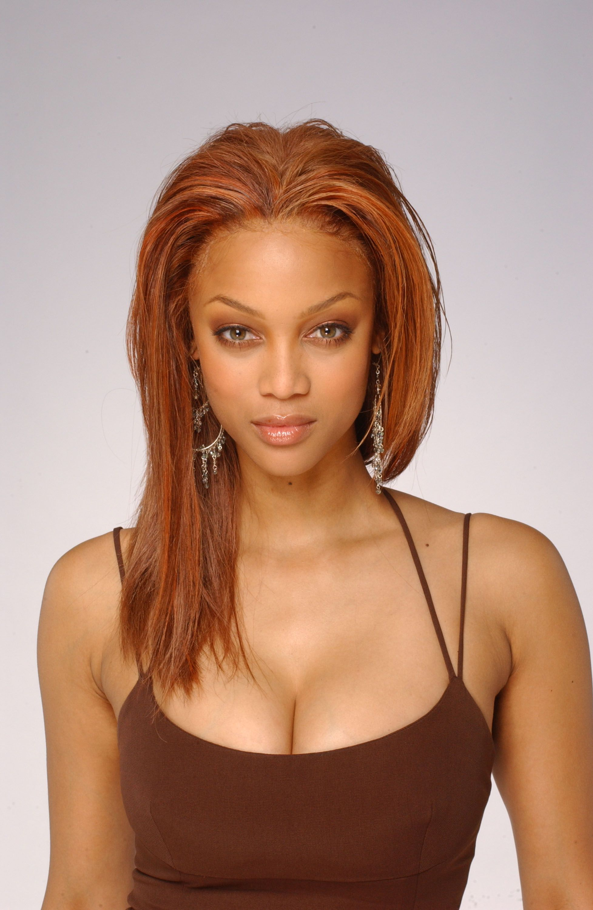 Tyra Banks By Harry Langdon 2004 Tyra Banks Show Tyra Banks Age Tyra Banks Hair