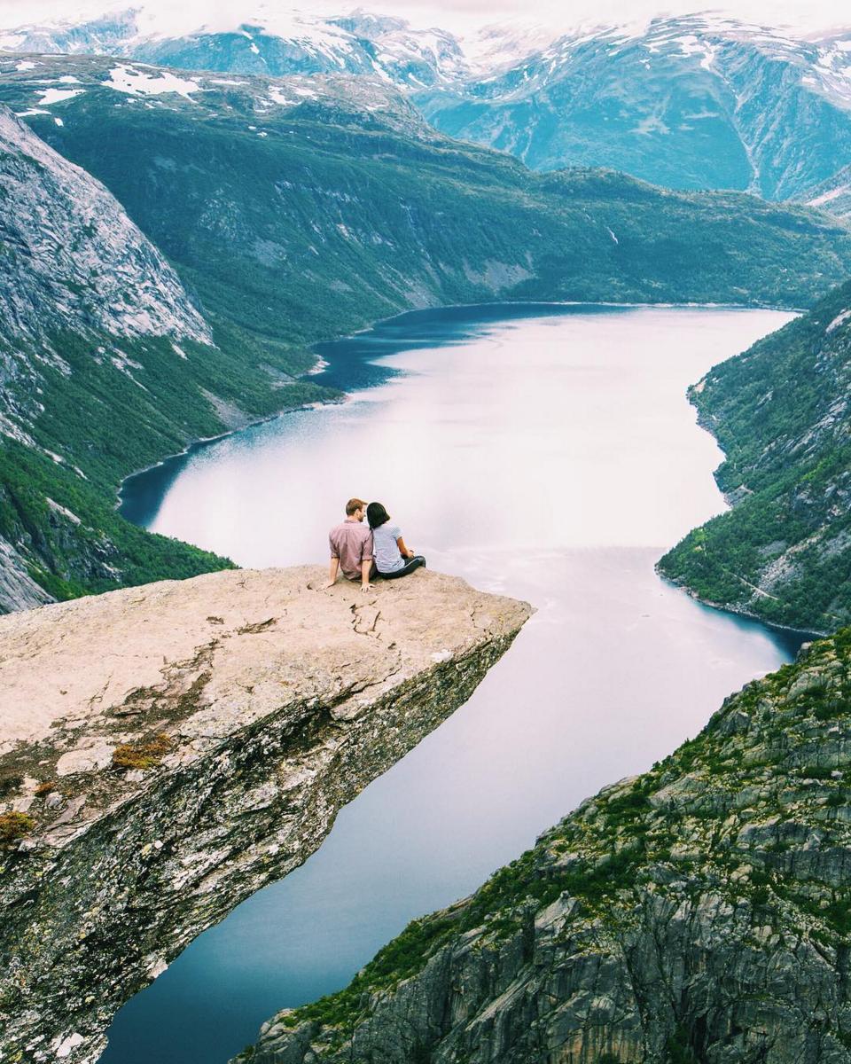 Beautiful Honeymoon Destination Inspiration -Trolltunga