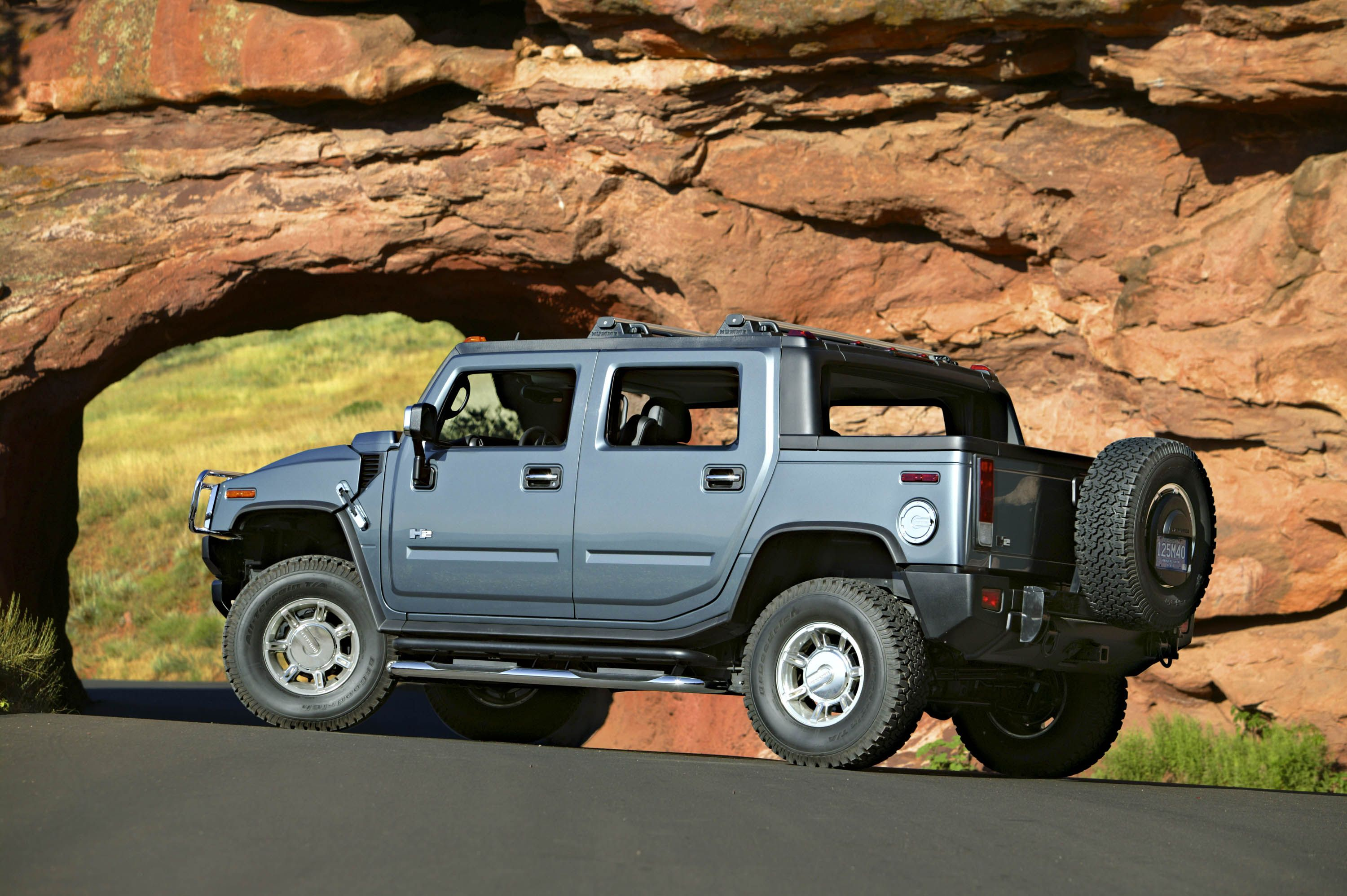 Hummer h2 sut all the capabilites of h2 and then some