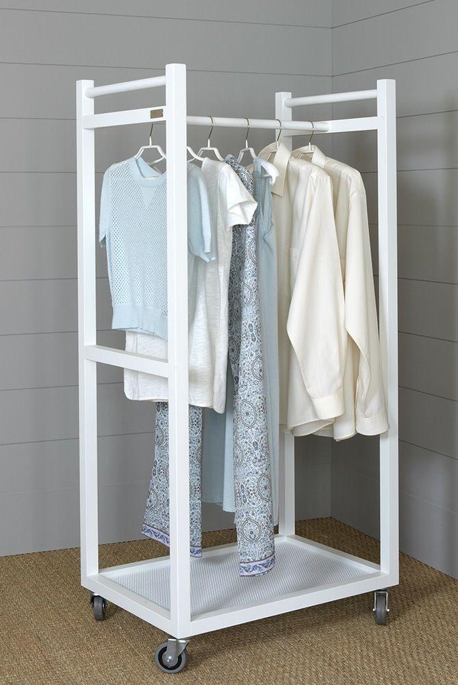 Carro para colgar la ropa con 1 barra para colgar y un - Estantes de madera para pared ...