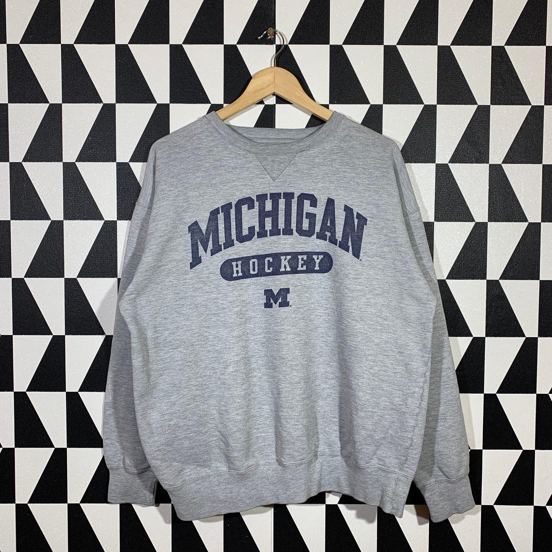 Vintage 90s Michigan Hockey Sweatshirt Michigan Crewneck Etsy Sweatshirts Hockey Sweatshirts 90s Sweatshirt [ 3000 x 3000 Pixel ]