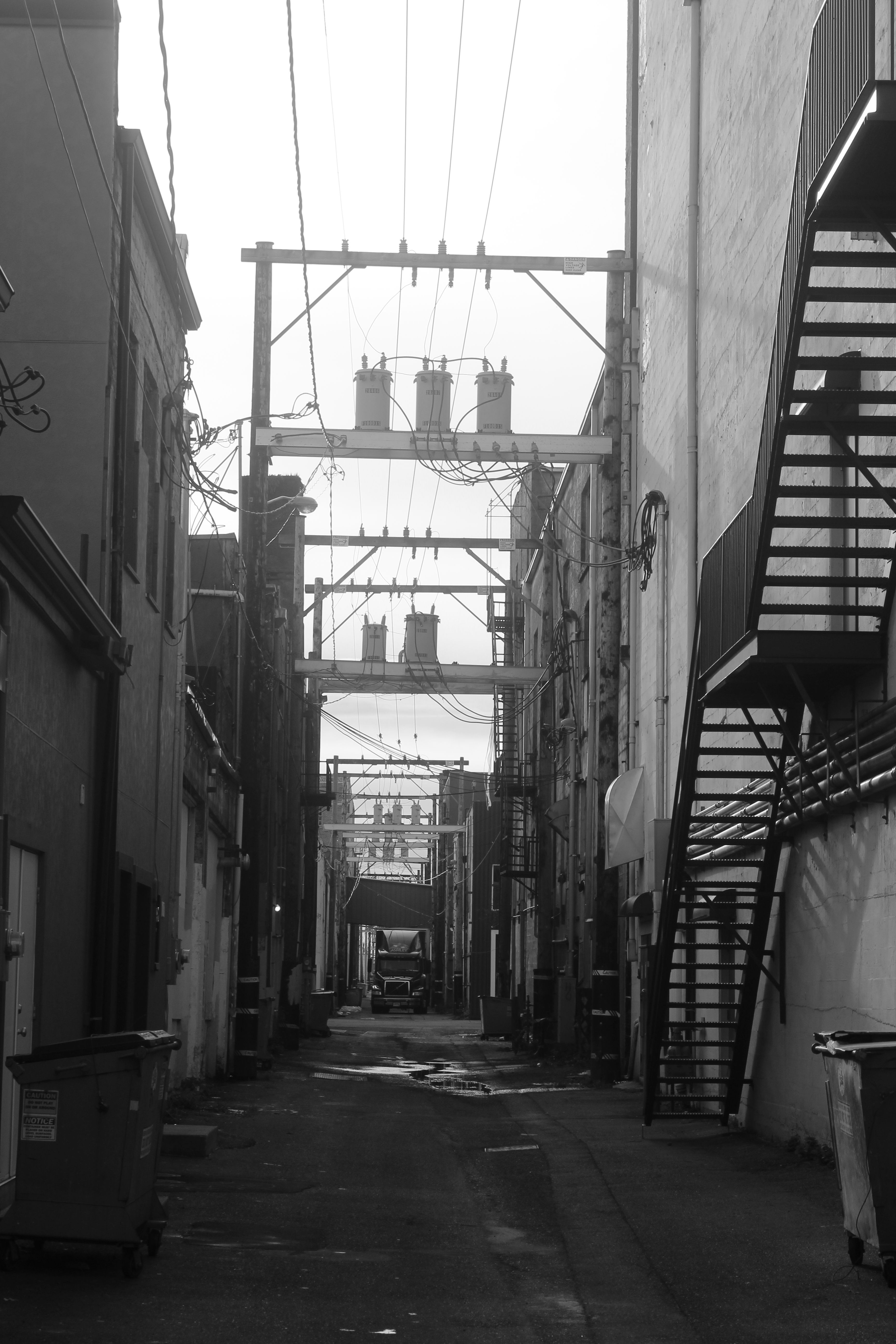 Alley, Downtown Aberdeen, WA | Beautiful Grays Harbor on the