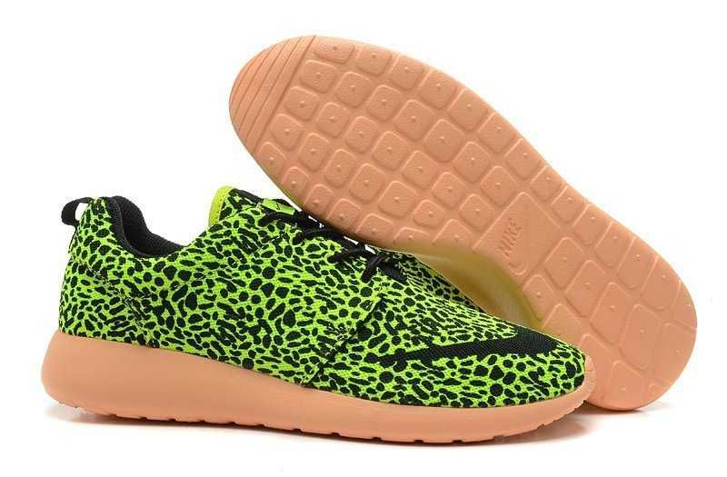 size 40 a157b 01558 UK Trainers Roshe OneNike Roshe Run FB Yeezy Mens Green Leopard