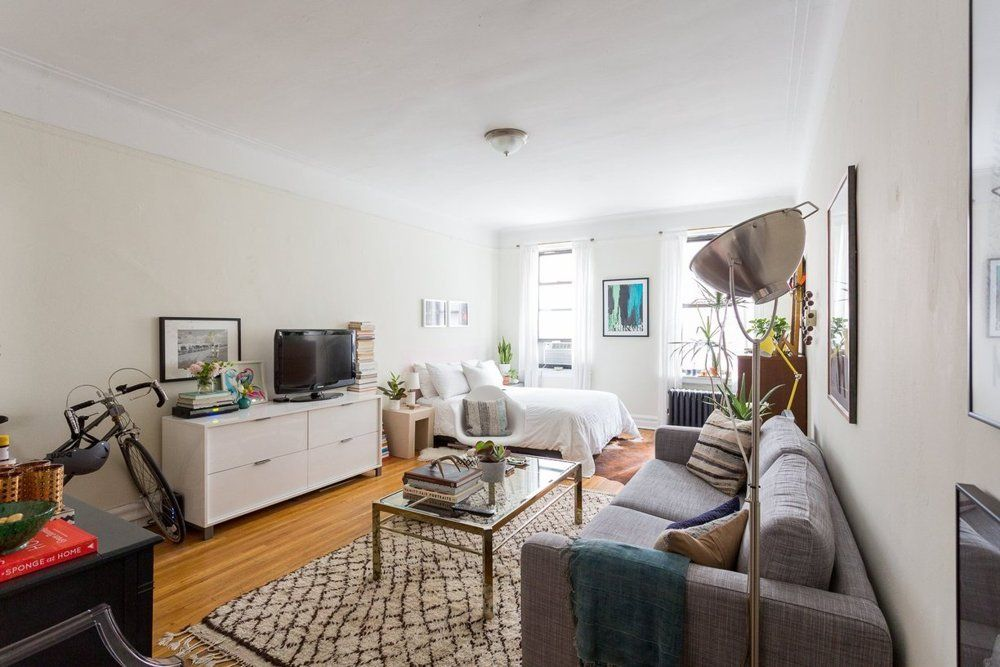 Tamar S Y Meets Mid Century Studio House Tour Apartment Therapy