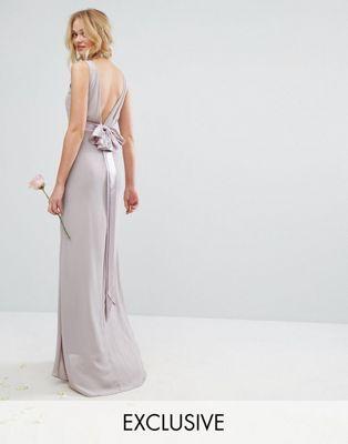 TFNC – Brautjungfern-Kleid in Satinoptik mit Schleife hinten ...