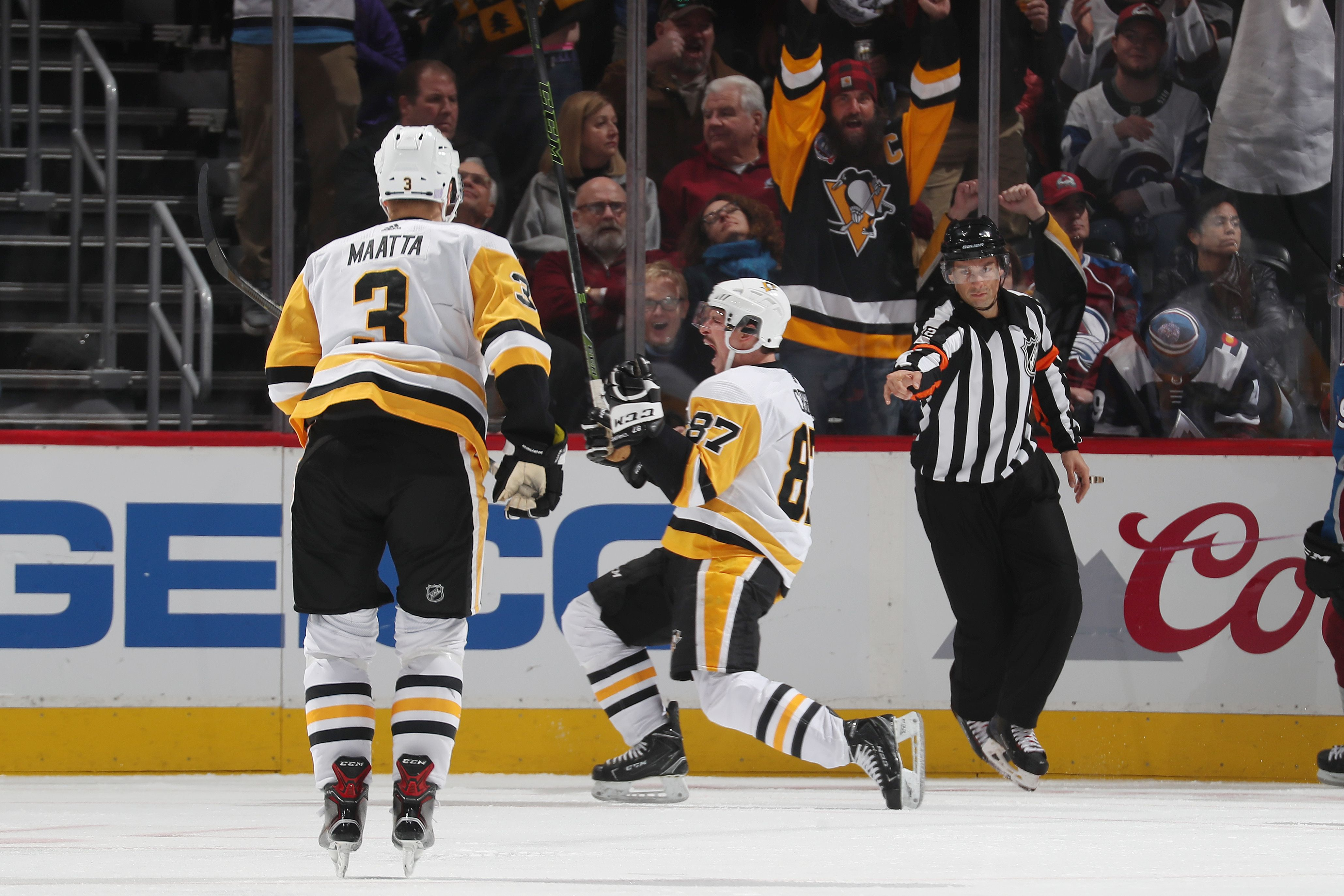 November 28 2018 At Colorado Sidney Crosby Recorded The 11th Hat Trick Of His Career But The Pens Were Pittsburgh Sports Pittsburgh Penguins Favorite Team