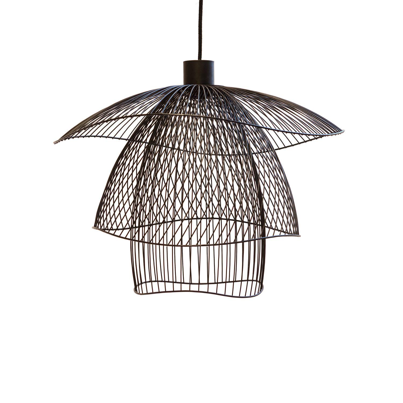 perfect suspension de petit format dans la collection papillon compose duune rosace de plafond. Black Bedroom Furniture Sets. Home Design Ideas