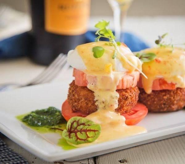 Charleston Restaurants: Burgers & Benedicts!