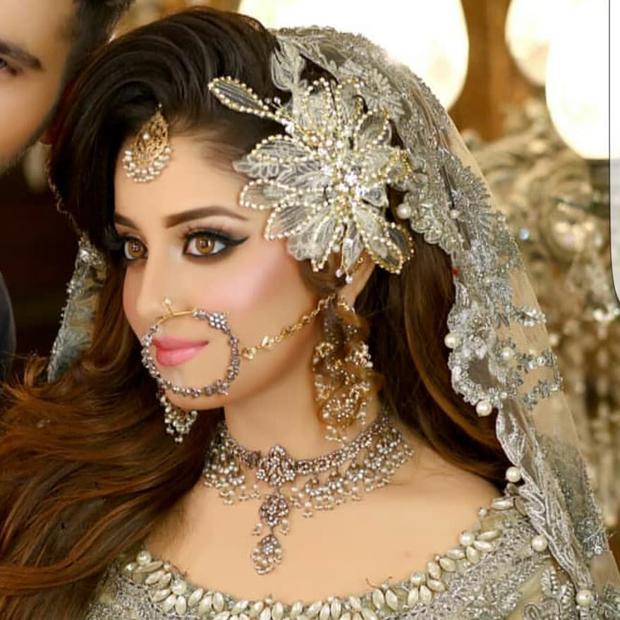Gorgeous Actress Alizeh Shah In Bridal Dress Awesome New Photos
