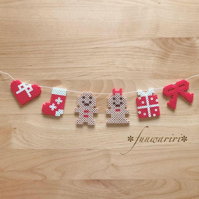 ご覧頂きありがとうございます(୨୧•͈ᴗ•͈)◞︎♡︎こちらはジンジャーマンと赤白カラーでまとめたクリスマスモチーフを並べたガーランドです☆ お部屋のインテリアに♪玄関などの季節飾りに♪寝相アートや月齢フォトなどにもピッタリです♡可愛いガーランドでお家...