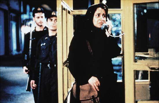 Le Cercle - Jafar Panahi - 2000