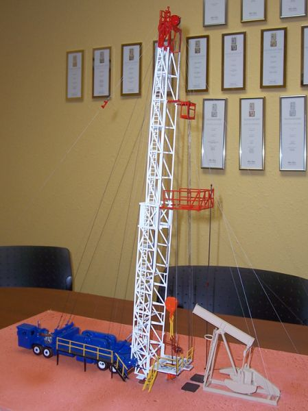 Workover rig model designed and built for Williston State