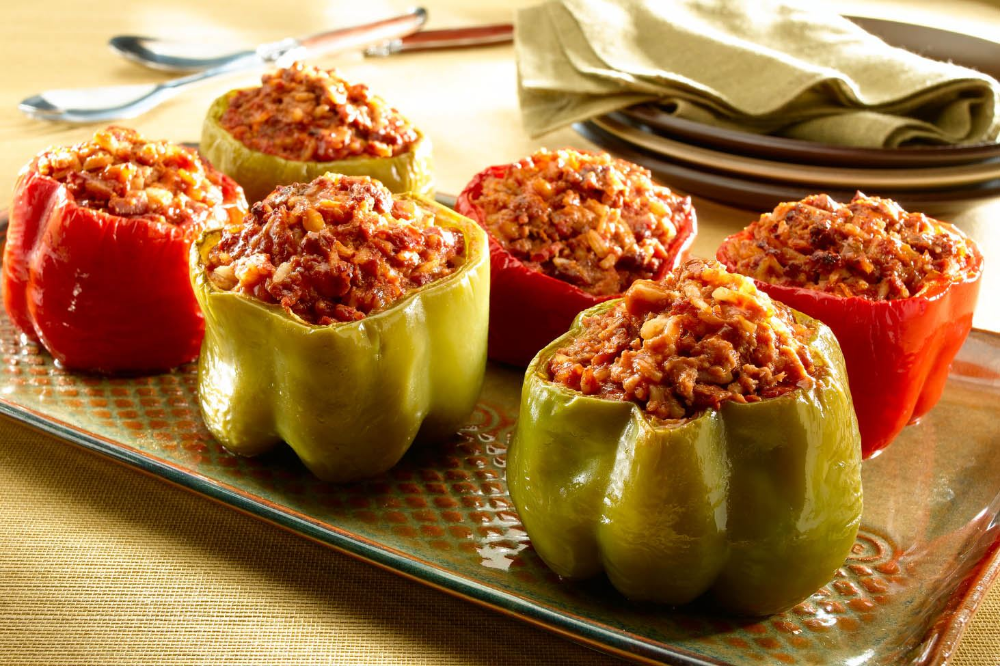 SpanishStyle Stuffed Peppers in 2020 Stuffed peppers