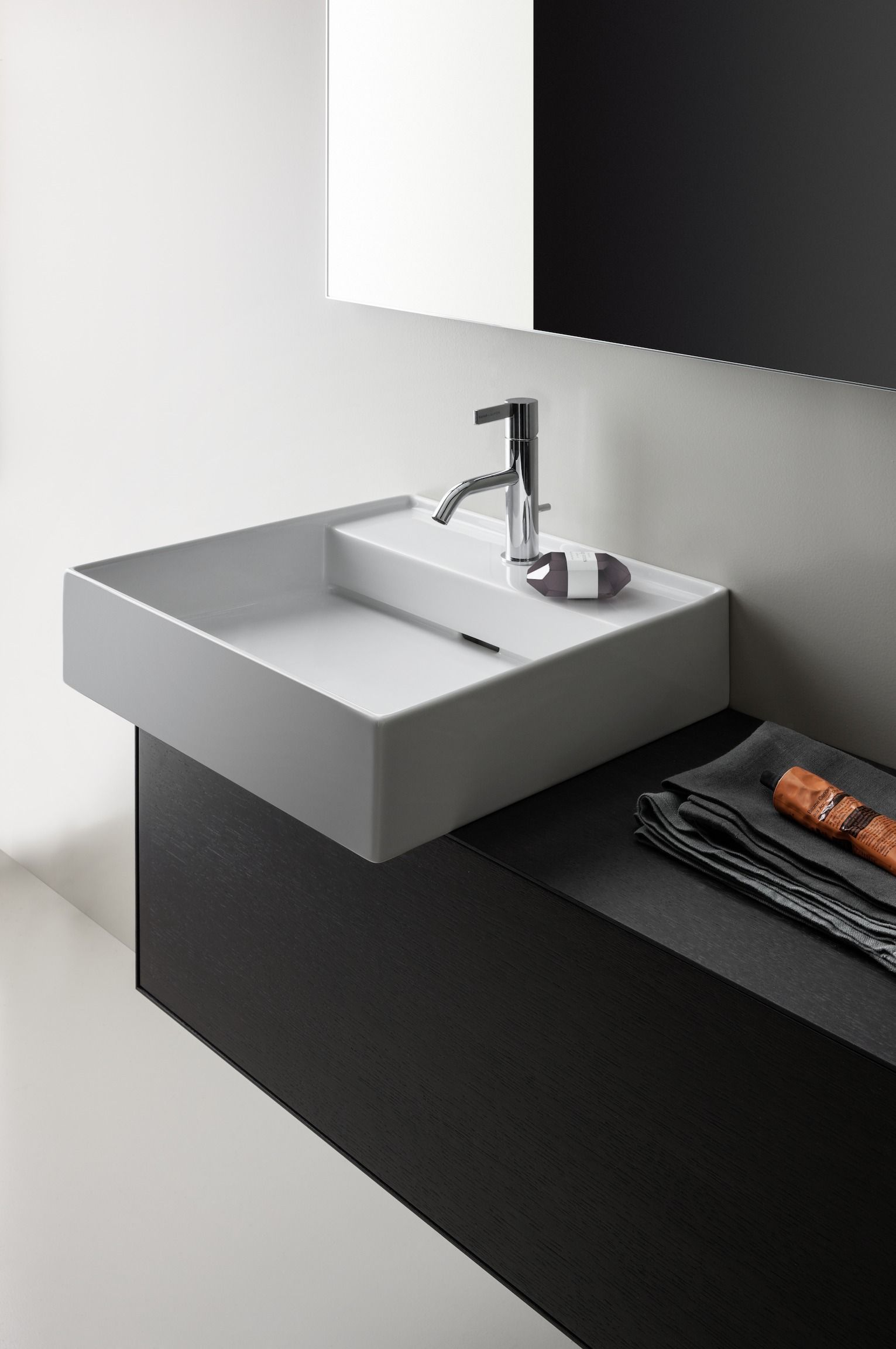 KARTELL BY LAUFEN | LAUFEN Bathrooms | Badkamer | Pinterest