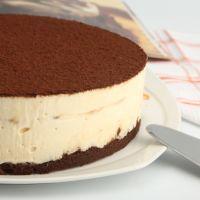 Tiramisu, delicious.  Cheesecake, sent from heaven.  Tiramisu cheesecake?  Deliciously sent from heaven!