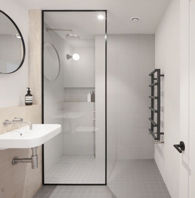 Gallery Of Walk In Showers Without Doors Or Curtains Design Tips And Examples 1 Showers Without Doors London House Small Bathroom