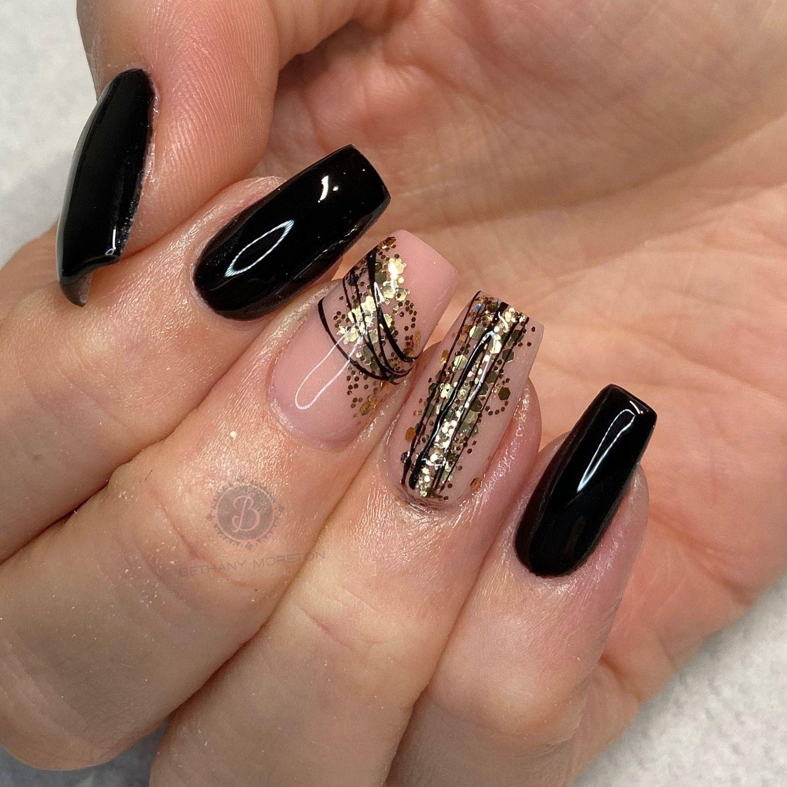 . #nails #thegelbottle #biab #nailtech #nailsbybeff #Staffordshire #biddulph #cheshire #nailart #love #fashion #nailtechnician #scratchmagazine  #nailaddict #nailpro #showscratch #polish #nailfie #nailartist