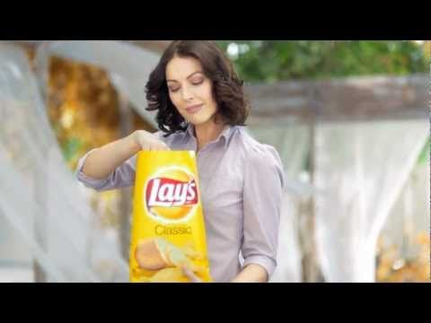 Tv Ad For Lays Cl Ic Chips Queen Crazy Little Thinged Love