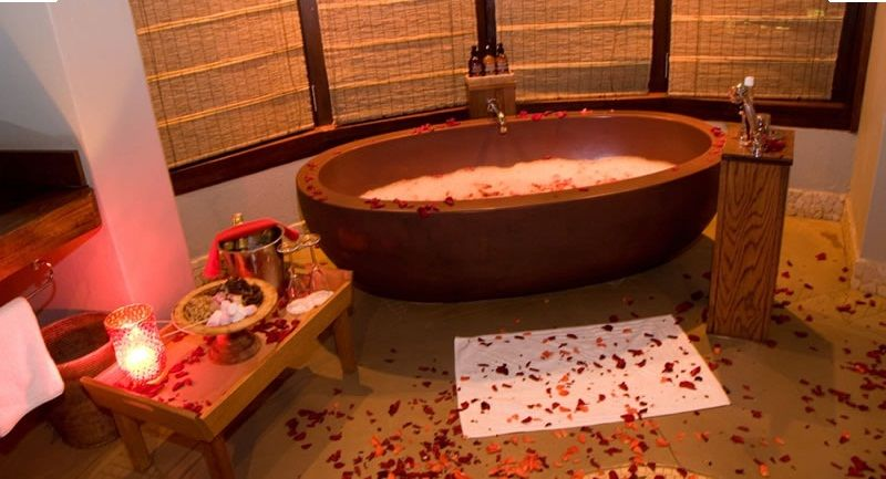 Romantic Bath Tub Honeymoon Tent Thanda Game Reserve S Africa