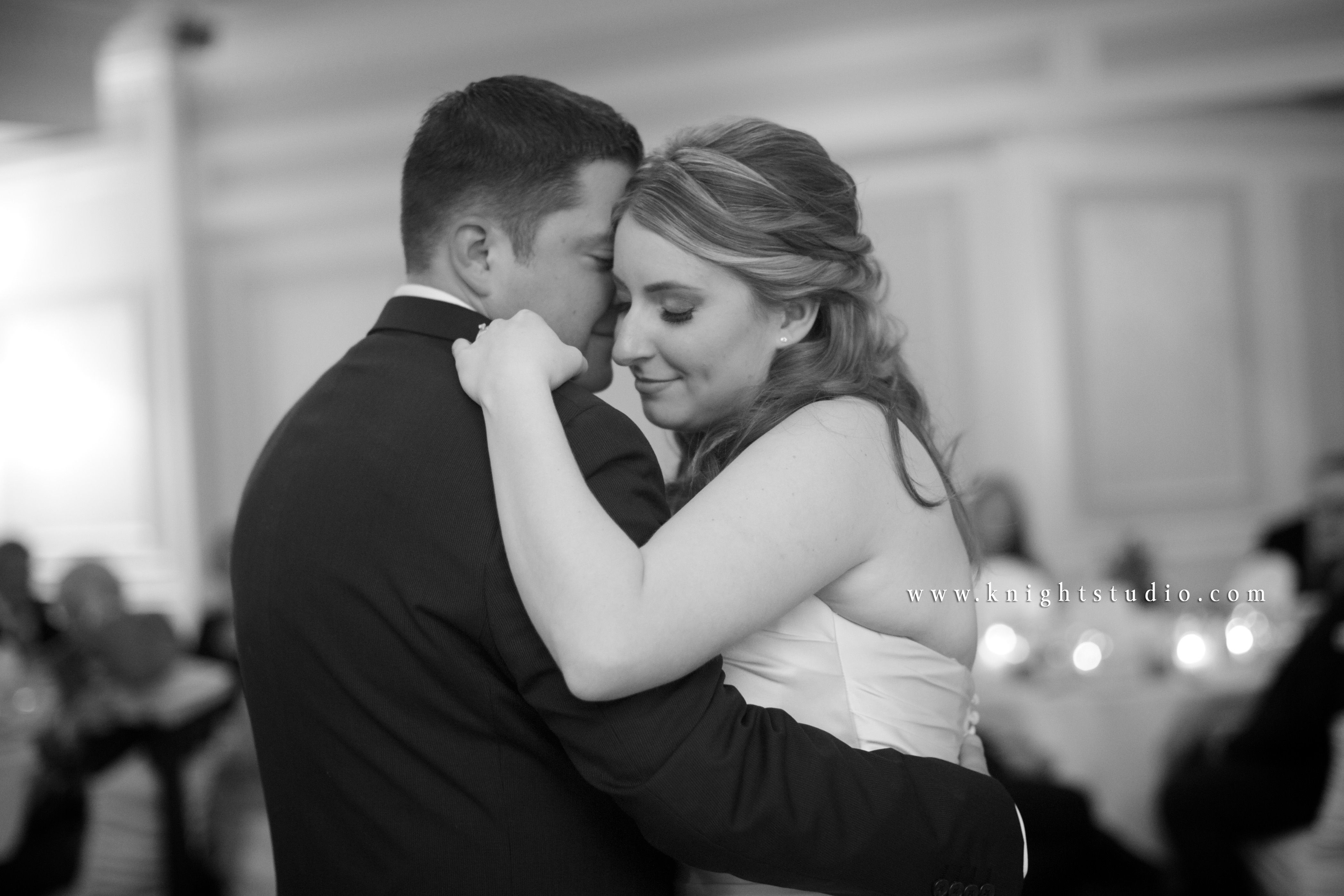Buffalo NY Wedding Photography | www.knightstudio.com | Photographer: Robert Knight | The First Dance #knightstudio #buffalobride #weddingphotography #wedding #bride #groom #buffalo #wny #firstdance #dancing #couple #dress #romantic