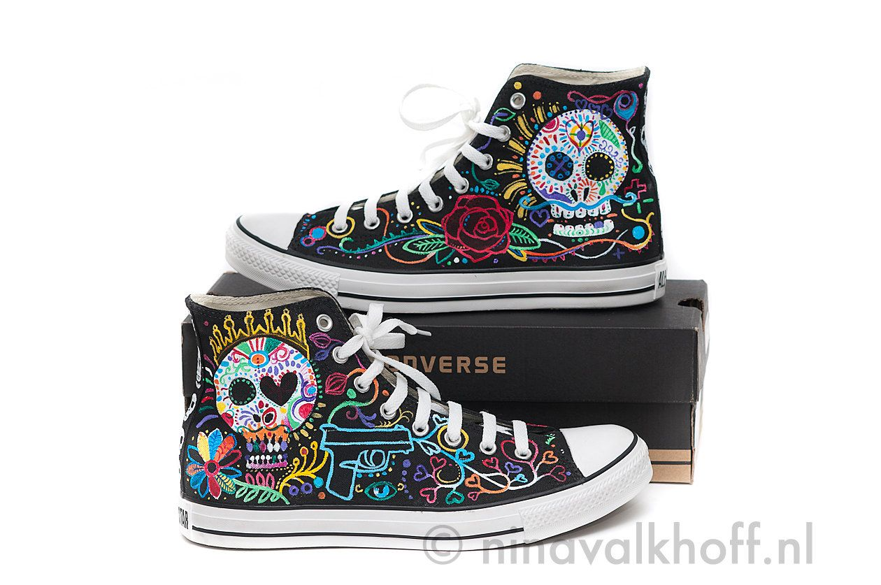 8ad36b77c19a CUSTOM MADE hand-painted Converse Allstars  Dia de los muertos